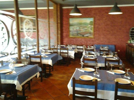 La Quinta Asador Restaurante: Vista del amplio comedor.