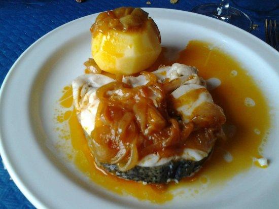 La Quinta Asador Restaurante: Merluza de menú del día.