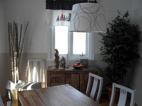 La Chambre des Maitres: Salle à manger
