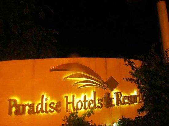 Paradise Beach Hotel: Entrance...