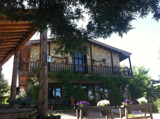 Hotel Rural Apartamentos Los Quiñones: porche