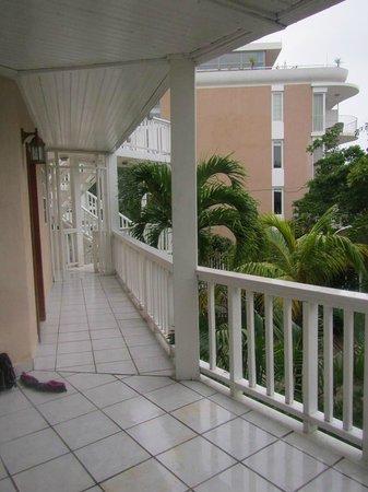Paradise Beach Hotel: Our door