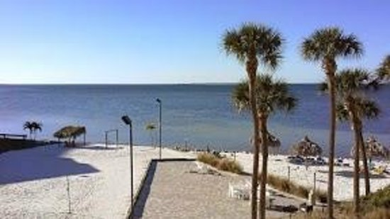 Sailport Waterfront Suites : what a view to wake up to!