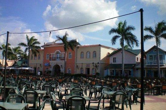 Grand Bahia Principe Punta Cana : The Courtyard