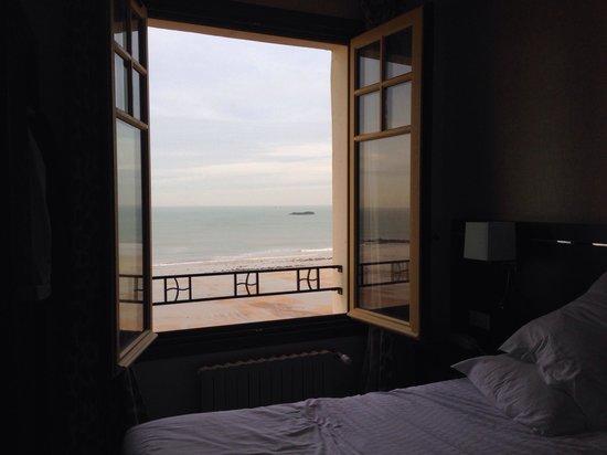 Hotel Ambassadeurs : Vue sur la mer