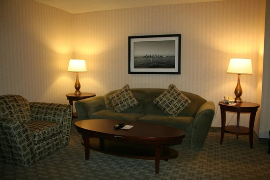 Wyndham Cleveland at Playhouse Square: Sitting Area