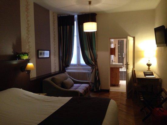 Hotel Bayard Bellecour: Chambre de luxe patio