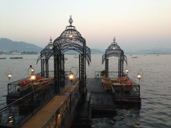 Taj Lake Palace Udaipur: Launch pontoon from Udaipur to hotel