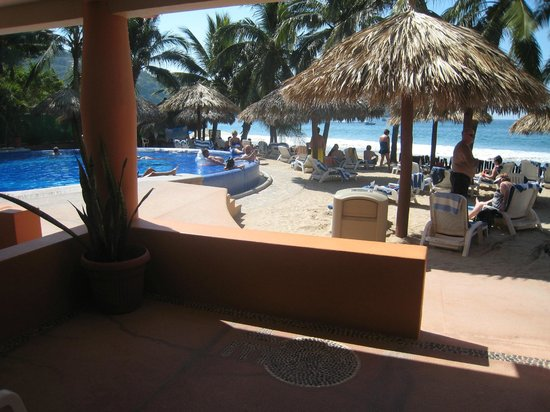 Villa Mexicana Hotel: Pool & beach from our room