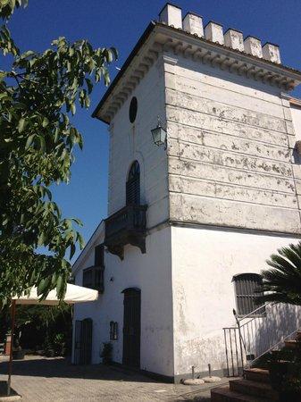 La Torretta Bianca: La torretta vista da un altro lato...