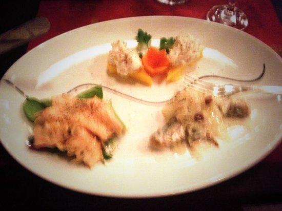 Vino Vino: Beautiful fish selection starter- sorry it's a bit blurry!