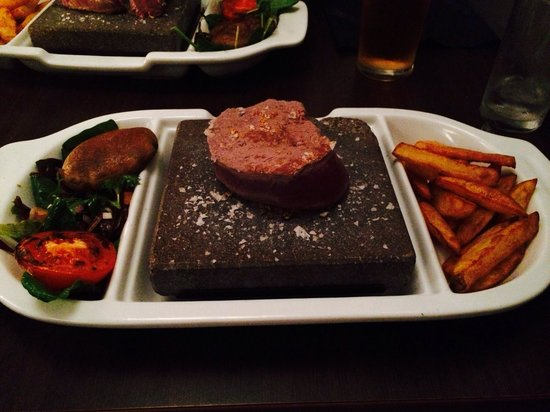 Sadlergates Black Rock Grill Steakhouse: Rump steak on hot lava rock.