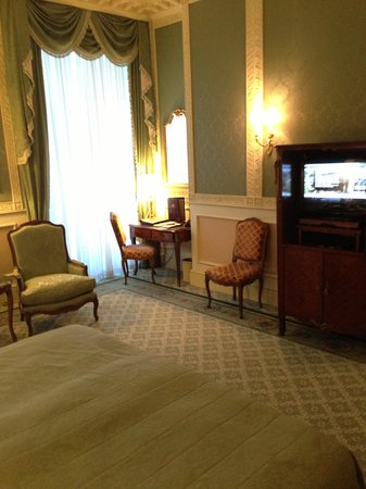 Grand Hotel Wien: our room