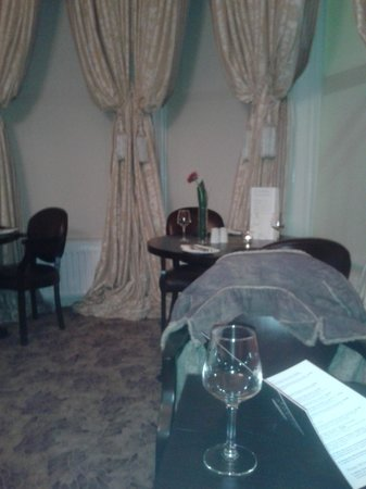 Tullyglass House Hotel : Dining Room