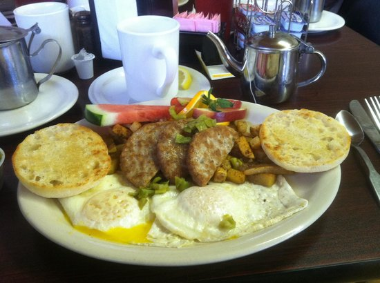 Eagle Nest, NM: Best egg and sausage breakfast ever!