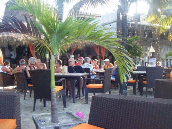 Lazy Dog Roadside Grill: At the Lazy Dog on the Cabarete Beach.