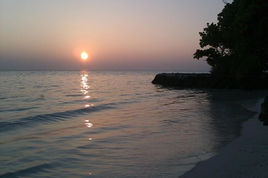 Rihiveli by Castaway Hotels & Escapes: Coucher de soleil