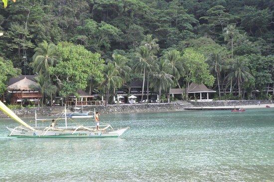 El Nido Resorts Lagen Island: Approaching Island