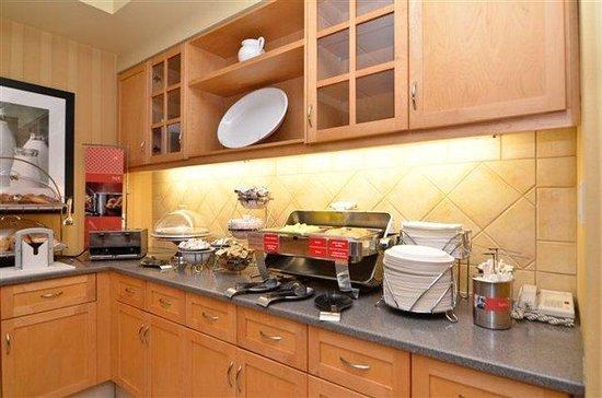 Hampton Inn & Suites Langley Surrey : Breakfast Hot Zone