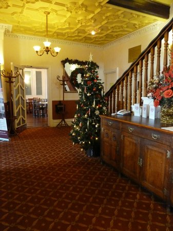 The Clarendon Hotel : Foyer at Christmas time