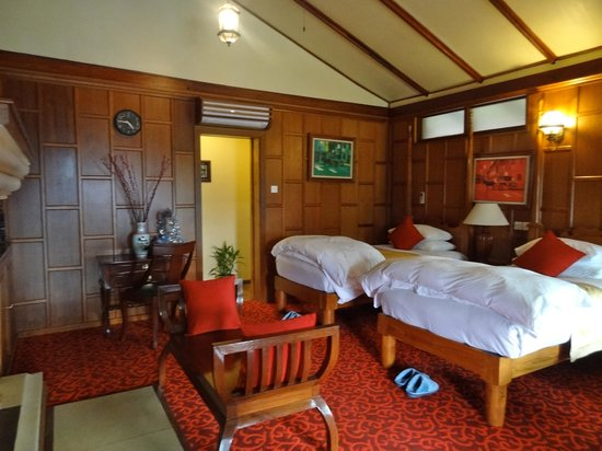 Hotel Pyin Oo Lwin: bedroom area