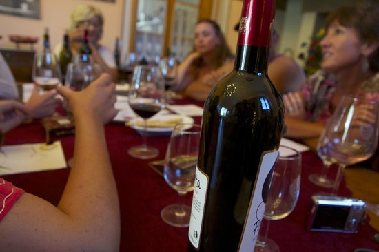 Agricola Buccelletti Winery: Wine is food