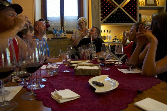 Agricola Buccelletti Winery: Taste away