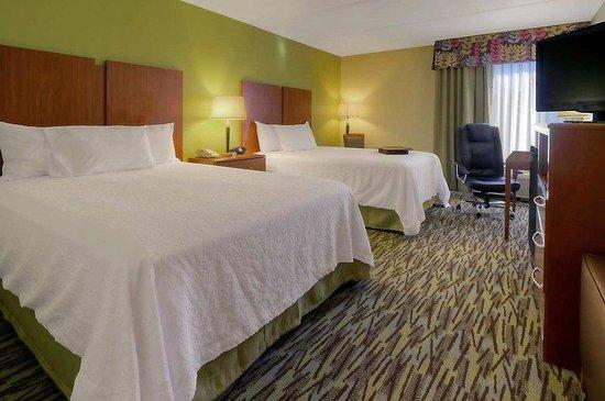 Hampton Inn Franklin: Double Queen Beds
