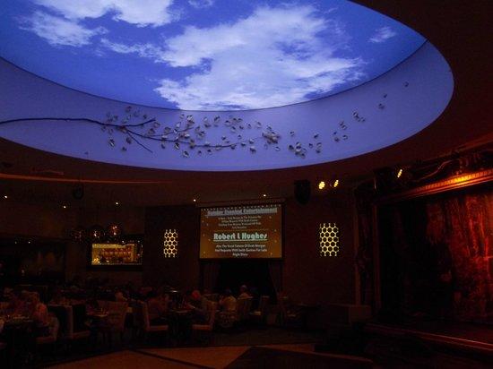 Warner Leisure Hotels Alvaston Hall Hotel: Ceiling over Dancefloor @ Alvaston Hall (January 2014)