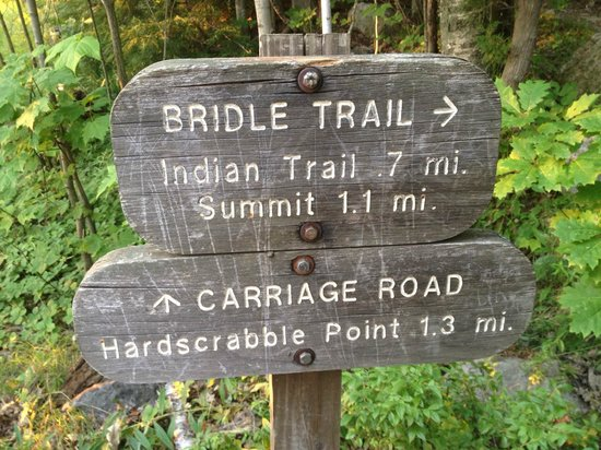 Mount Kineo: Trail sign at the start of the Bridle Trail