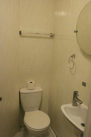 Corbigoe Hotel: bagno