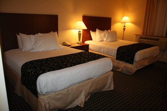 Best Western Plus Brunswick Inn & Suites: 2 Queen Beds