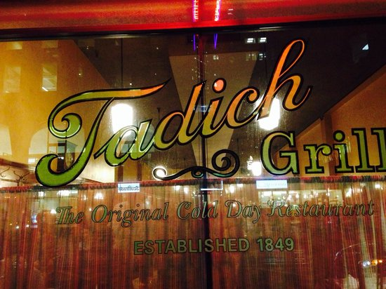 Tadich Grill : Store front window