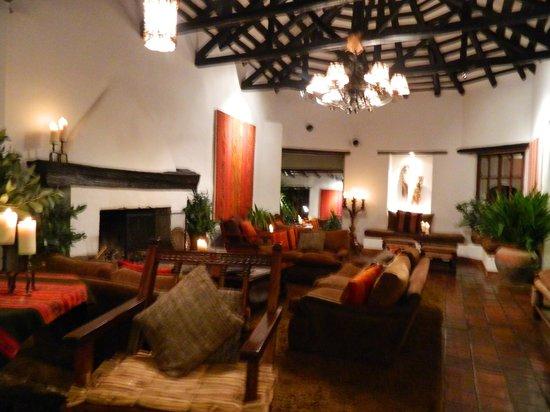 Inkaterra Machu Picchu Pueblo Hotel: livings para descanso