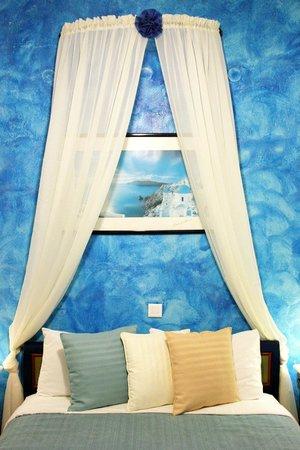 Evgenia Villas & Suites : Room