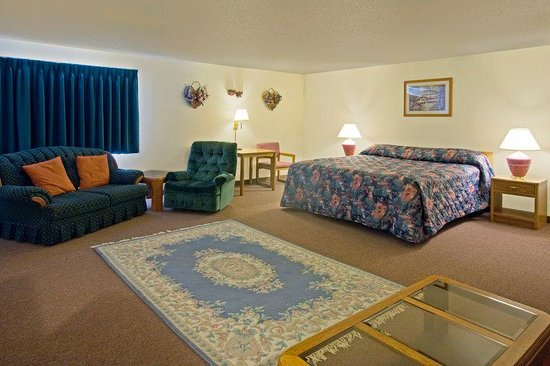 Americas Best Value Inn Burlington : King Suite