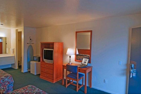 Americas Best Value Inn - Santa Rosa: Double Guest Room