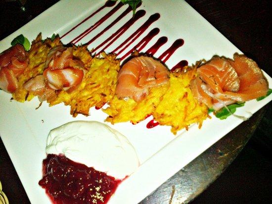 Folkklubs Ala Pagrabs: Tortitas de patata con pescado y gambones