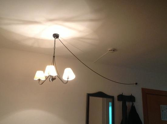 Aparthotel Puerto Azul Marbella: strange light fixture ???