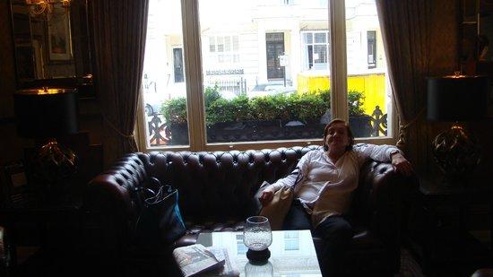 Berjaya Eden Park London Hotel: Hall del Hotel