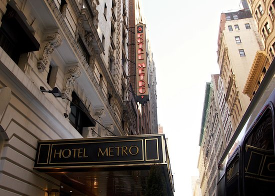Hotel Metro: exterior