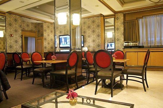 Hotel Metro: breakfast room