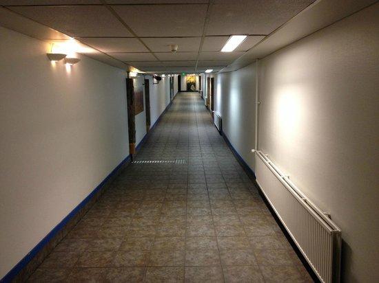 Cumulus Pohjanhovi: Long Corridor to Annex Rooms