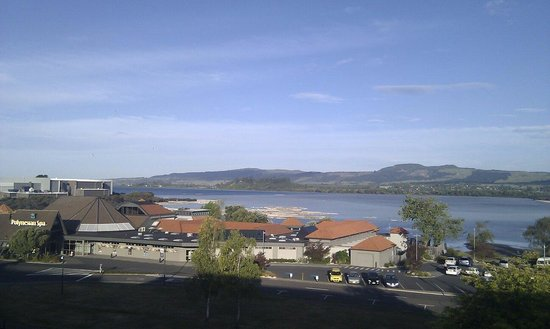 Millennium Hotel Rotorua: View of Lake from room.
