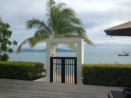 Anantara Bophut Koh Samui Resort: The gate to the beach