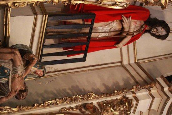 Igreja Nossa Senhora do Carmo: Cristo no altar lateral
