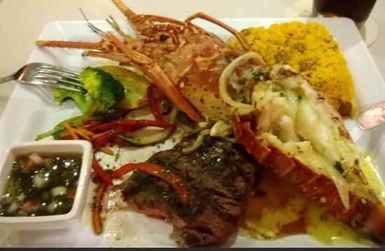 La Bahia: delicioso.... vease la carne justo en su punto, exquisito..