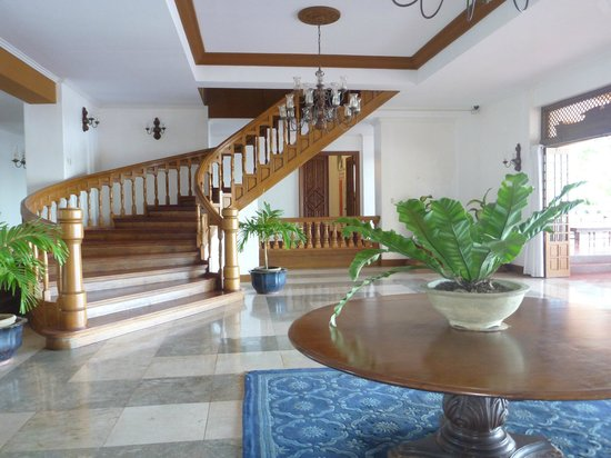 Malacanang Of The North: Stairs