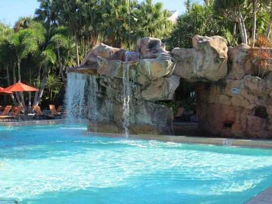 Bonaventure Resort & Spa : Waterfall pool
