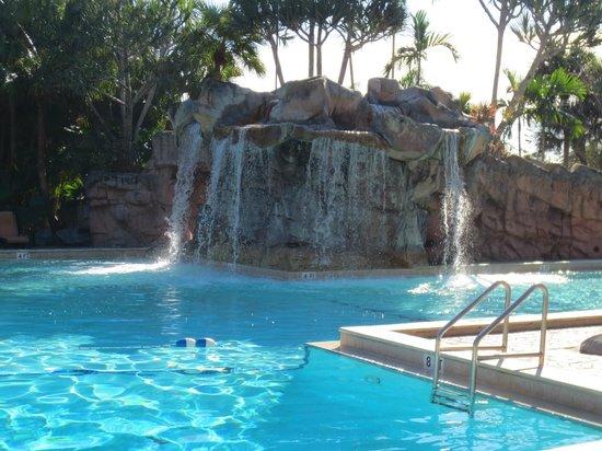 Bonaventure Resort & Spa: Waterfall pool